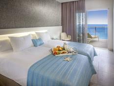 Hotel Suitopia Sol y Mar Suites Bild 02