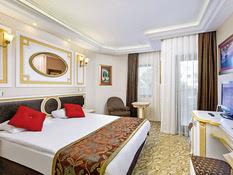 Club-Hotel Sera Bild 11