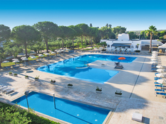 Dolmen Sport Resort Bild 02