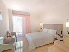 Hotel Livadi Nafsika Bild 03