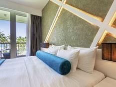 Hotel Camelot Beach Bild 05