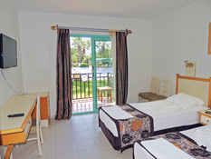 Hotel Rebin Beach Bild 02