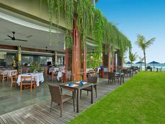 Candi Beach Resort & Spa Bild 09