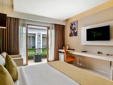 Tonys Villas & Resort Bild 02