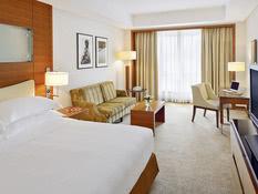 Mövenpick Hotel Bur Dubai Bild 02