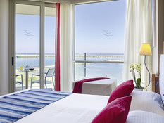 Hotel Kyma Suites Beach Bild 02