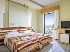 Hotel Polyrizos Bild 02