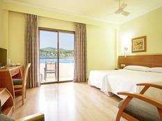 Invisa Hotel La Cala Bild 02