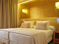 Invisa Hotel La Cala Bild 06