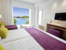 Azuline Hotel Coral Beach Bild 05