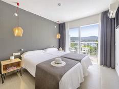 Hotel Cala Tarida Bild 02