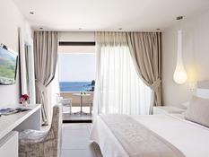 Kassandra Bay Suites & Spa Bild 06
