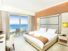 Grand Blue Beach Hotel Bild 09
