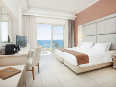 Grand Blue Beach Hotel Bild 05