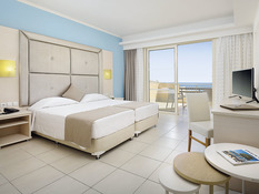 Grand Blue Beach Hotel Bild 10