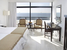 Hotel Grecian Bay Bild 03