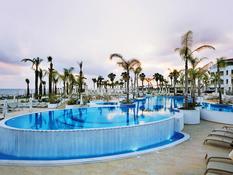 Olympic Lagoon Resort Bild 07