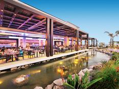 Olympic Lagoon Resort Bild 10