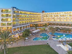 CBH Athena Royal Beach Hotel Bild 05