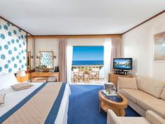 CBH Athena Royal Beach Hotel Bild 02