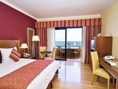 Hotel Radisson Blu St. Julian's Bild 02