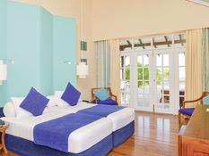 Adaaran Select Meedhupparu Island Resort Bild 03