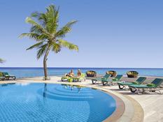 Kuredu Island Resort & Spa Bild 02