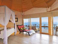 Komandoo Island Resort & Spa Bild 02