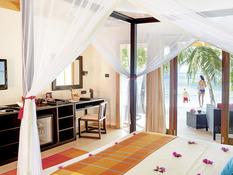 Vilamendhoo Island Resort & Spa Bild 05