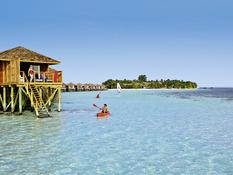 Vilamendhoo Island Resort & Spa Bild 02