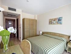 Hotel Rina Bild 02