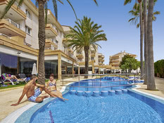 Hotel Illot Suites & Spa by CREA Bild 04