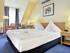 Hotel Tryp by Wyndham Lübeck Aquamarin Bild 04