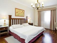 Hotel Spa Reverón Villalba Bild 01