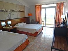 Hotel Occidental Arenas Blancas Bild 02