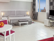 Hotel NH Capri Bild 07