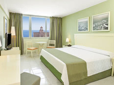 Hotel NH Capri Bild 06