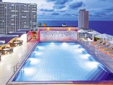 Hotel NH Capri Bild 05
