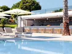 The Bay Hotel & Suites Bild 03