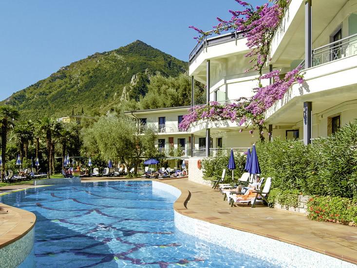 Hotel Royal Village in Limone sul Garda bei alltours buchen